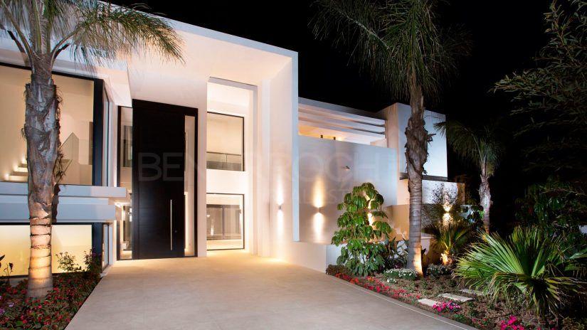 Casasola: Luxury Villas and Apartments in Estepona