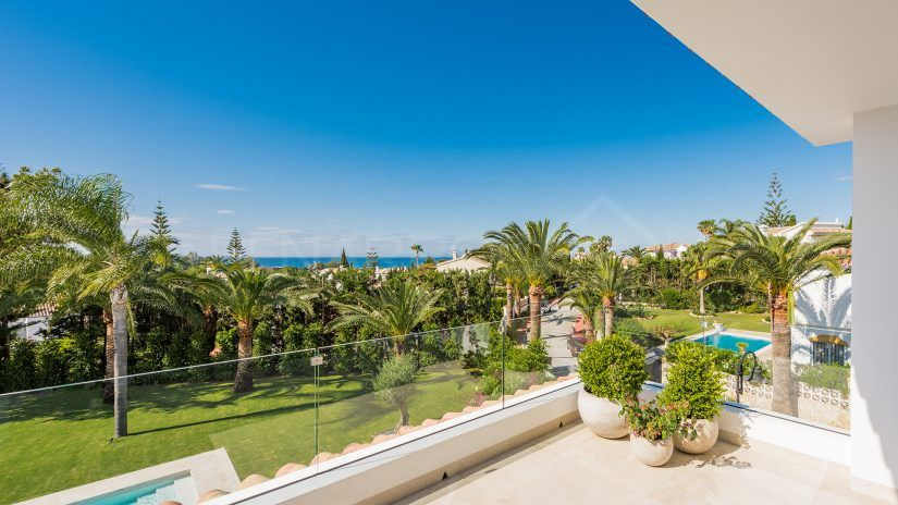 Elviria, villas, townhouses and apartments in Marbella East