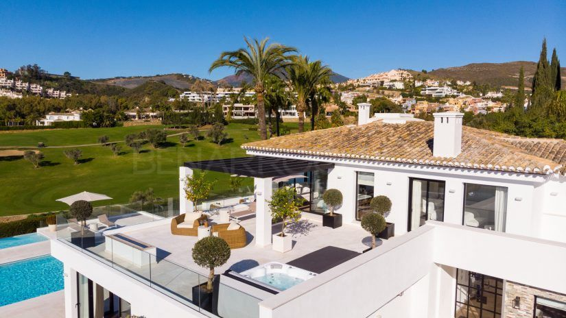 Frontline golf villa in Marbella