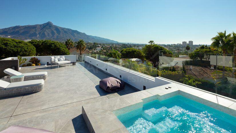 Modern Villa Nueva Andalucia Ls Brisas golf, Marbella